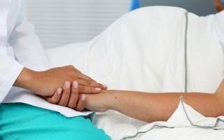Маловодие при беременности: причины и последствия