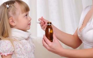 Антибиотики при кашле у детей: нужны ли и когда