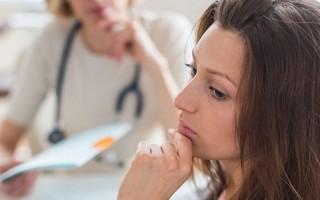 Зеленые выделения при беременности: причины и лечение