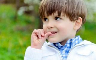 Как легко отучить ребенка грызть ногти