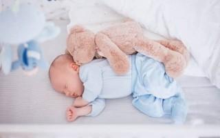Сколько ребенок в 3 месяца должен спать в норме