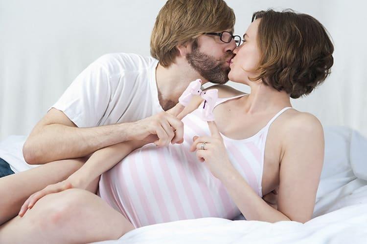 Секс на 38 неделе беременности может разрешить проблему, как быстрее родить.