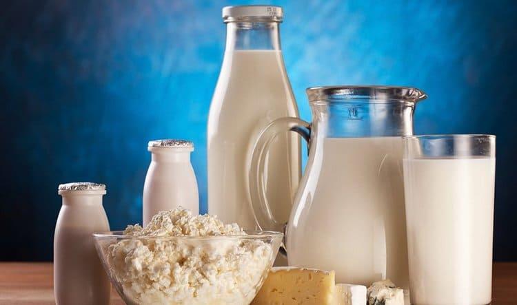 На этом сроке важно употреблять достаточно количество кальция, например, с молочными продуктами.