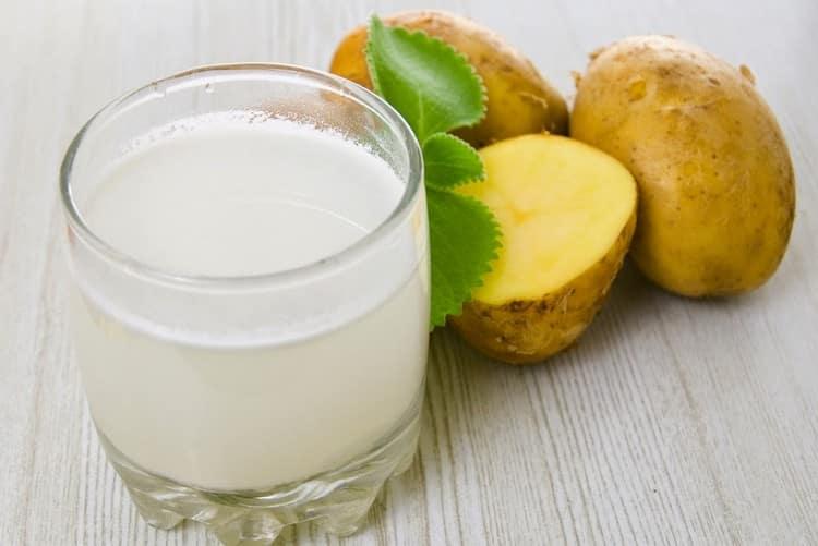 Если после кесарева у вас запоры, помочь может сок картофеля.