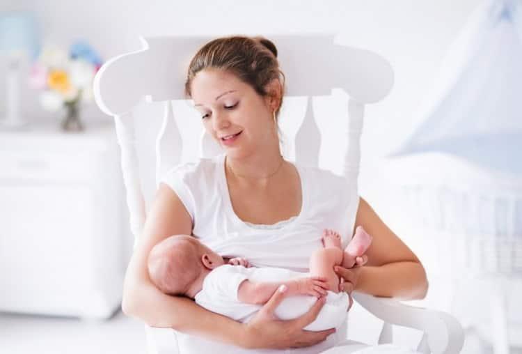 Подробно о том сколько идут месячные после родов