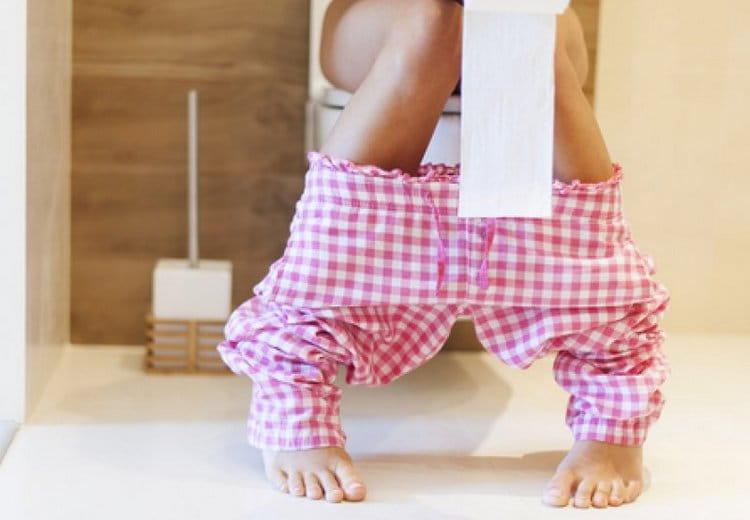 Такой чай помогает справиться с запорами у беременных.