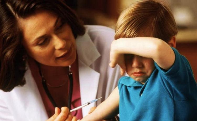 Календарь профилактических прививок не всегда соблюдается, ведь дети могут заболеть, из-за чего вакцинация переносится.