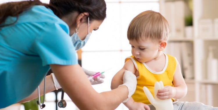 Календарь прививок для детей в России