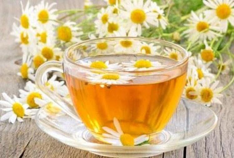 Еще один способ, как избавиться от тошноты при беременности, это побольше пить воды, натуральных соков, травяного чая.