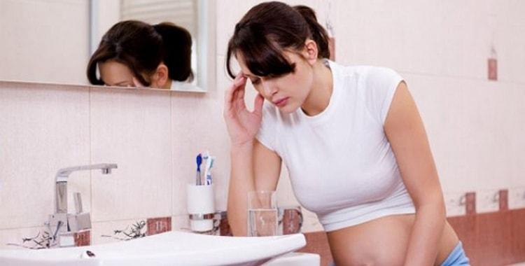 Когда начинает тошнить при беременности: причины, когда начинать переживать