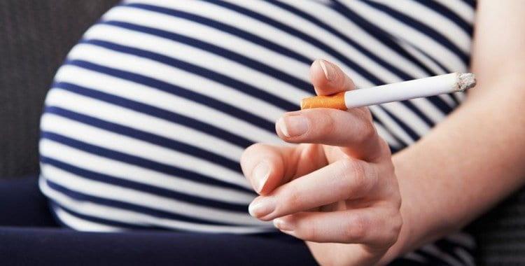 Курение во время беременности: как влияет, последствия