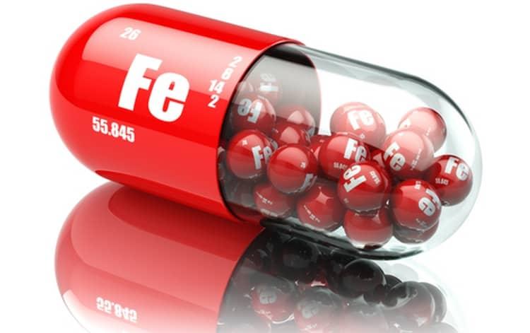 Еще один способ, как повысить гемоглобин при беременности, это пить препараты железа.