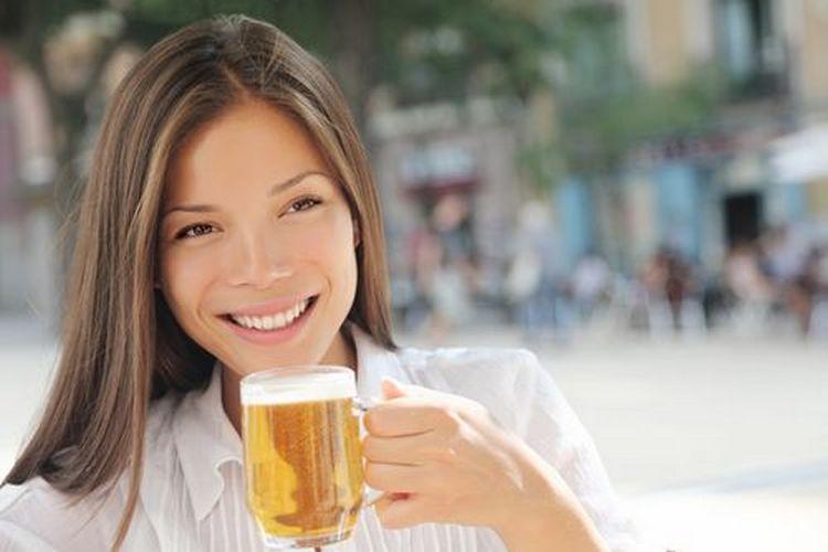 посмотрите также видео о том, можно пить безалкогольное пиво при грудном вскармливании или нет.