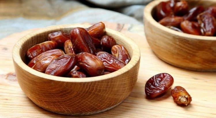 В этих сухофруктах содержится множество важнейших витаминов и микроэлементов, которые положительно влияют и на формирование плода, и на саму маму.
