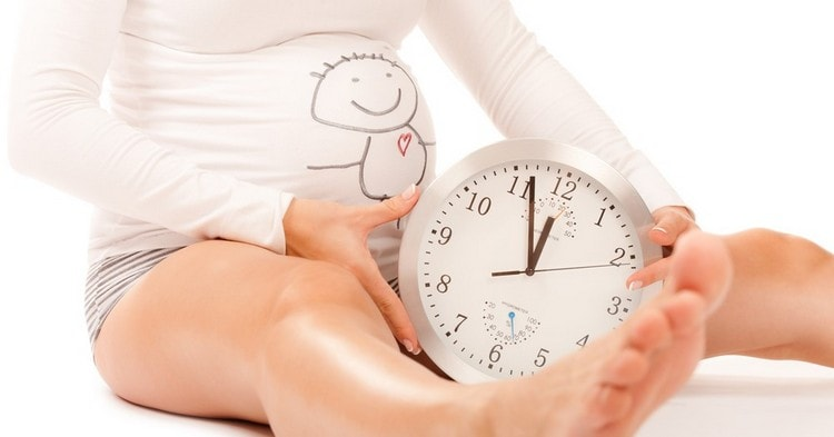 Коричневые выделения при беременности на поздних сроках могут свидетельствовать о начале родовой деятельности.