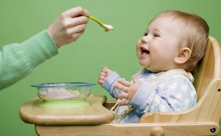 При пищевой аллергии у детей очень важно соблюдать назначенную врачом диету.