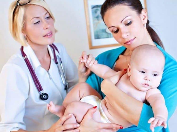 При аллергических реакциях у детей, особенно у грудничков, нельзя заниматься самолечением, надо обращаться за медицинской помощью.
