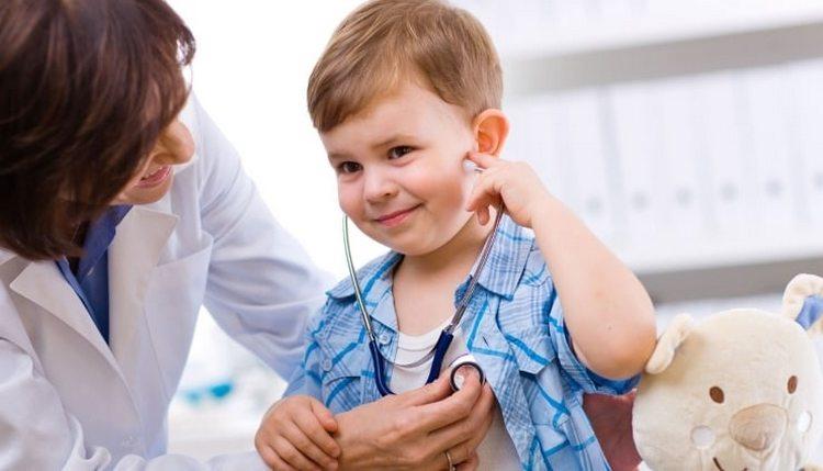 Родители сами выбирают, где сделать прививку от гепатита А: в поликлинике, частном кабинете или даже на дому.