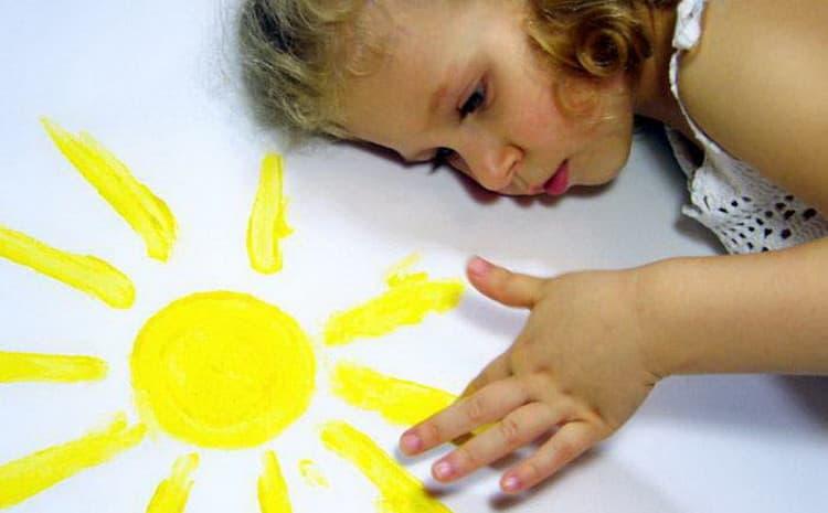 как лечить аллергию на лице на солнце у ребенка