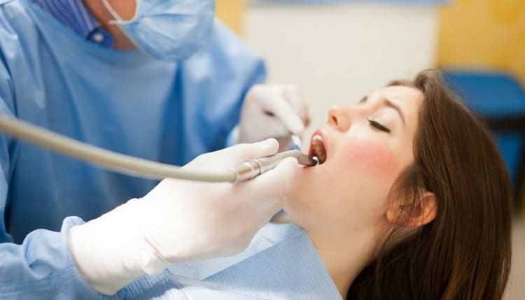 консультация стоматолога при планировании