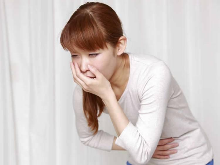 Среди побочных эффектов от приема этого препарата могут наблюдаться проблемы с ЖКТ.