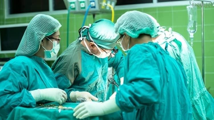 В наше время нередко врачи прибегают даже к внутриутробному переливанию крови плоду.