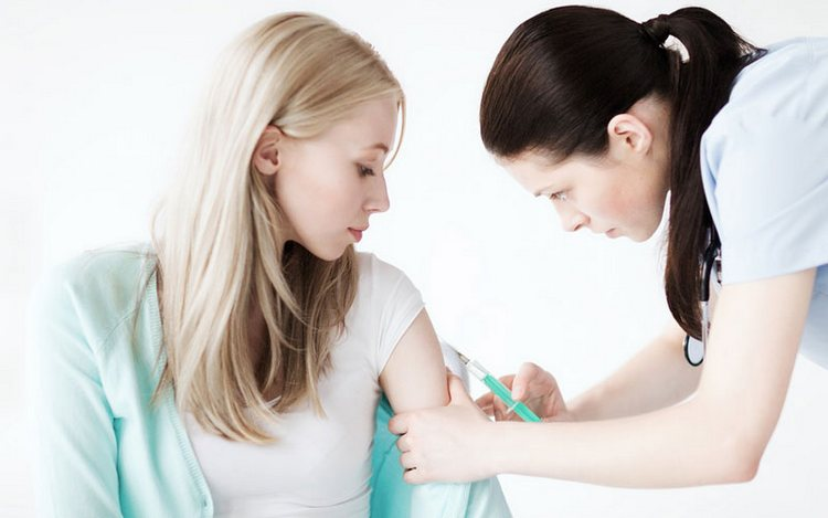 У некоторых женщин повышается сенсибилзация организма даже из-за вакцинации.