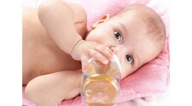 Когда и сколько давать чай малышу