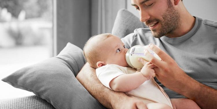 Как происходит развитие и питание ребенка в 2 месяца