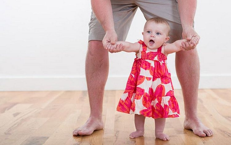 Вес ребенка в 11 месяцев колеблется в рамках от 8,5 до 10,5 кг.