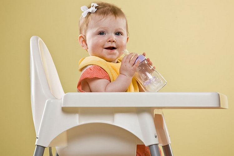Узнайте, сколько должен весить ребенок в 11 месяцев.