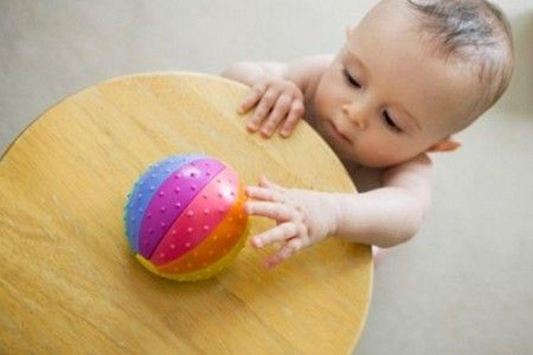 важно соблюдать режим дня для ребенка в 11 месяцев.