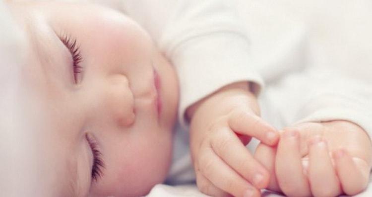 Что делать если ребенок в 2 месяца не спит днем