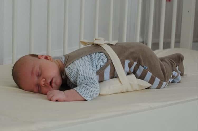 Зачем нужна грелка для новорожденного от коликов