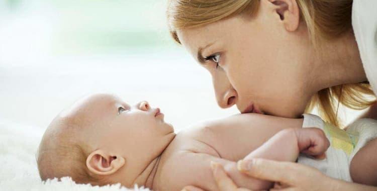 Доктор Комаровский: что делать при коликах у новорожденного