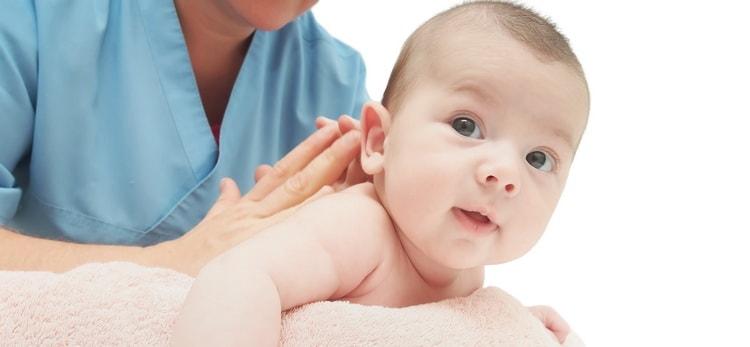 Как правильно следует выполнять массаж при кривошее у грудничков