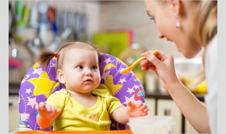 Подробное меню: чем кормить ребенка в 11 месяцев
