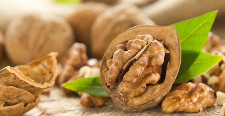 Можно ли грецкие орехи при грудном вскармливании