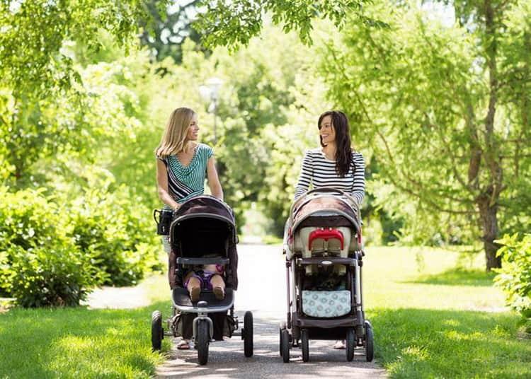 Развитие ребенка в 3 месяца: что умеет