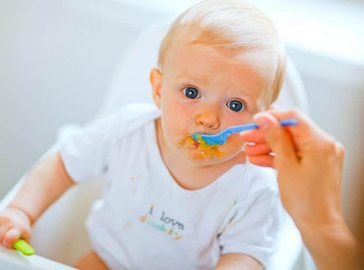 Что умеет ребенок в 9 месяцев: девочка