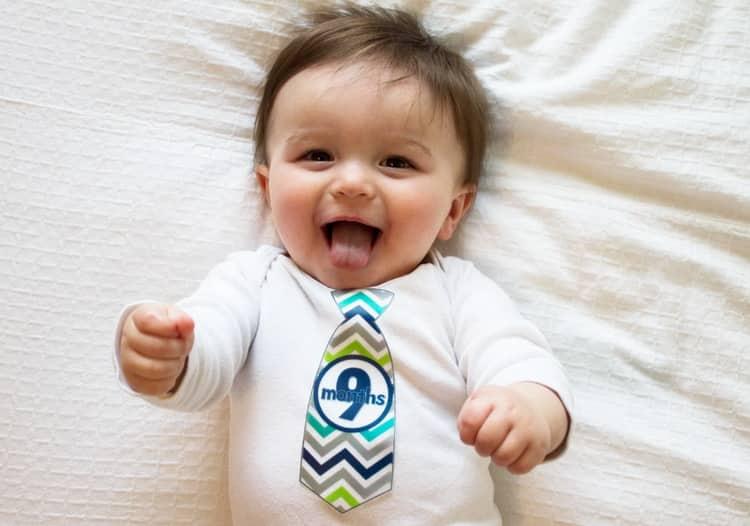 Все что умеет ребенок в 9 месяцев