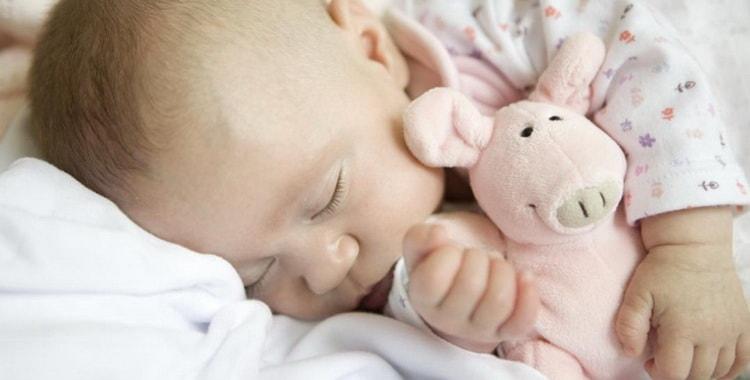 Сколько ребенок в 4 месяца должен в норме спать