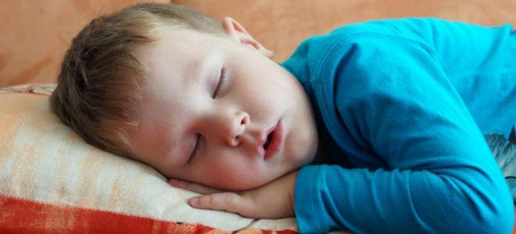 лечение аденоидов у детей возможно и без операции.