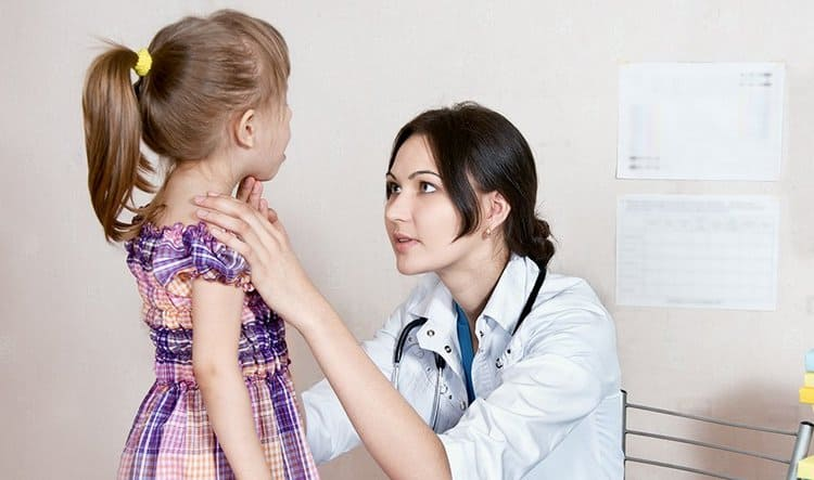 Удаление аденоидов у детей может и не понадобится, если правильно провести консервативное лечение.