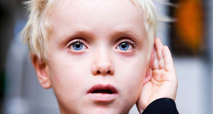 Узнайте, какие признаки аутизма у ребенка 3 лет.