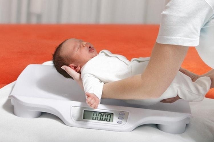 капли Элькар для новорожденных нередко назначают неврологи.