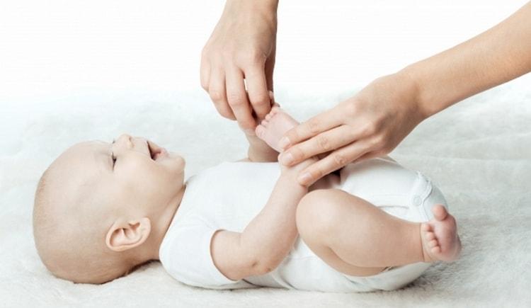 Важно обращать внимание на то, насколько комфортно малышу делать упражнения.