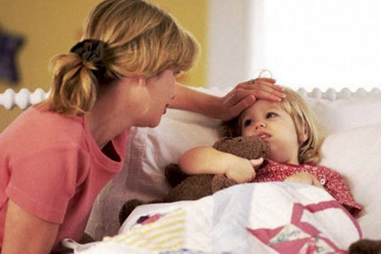 Лечение гнойной ангины у ребенка в 4 года и старше тоже проводится с применением антибиотиков.