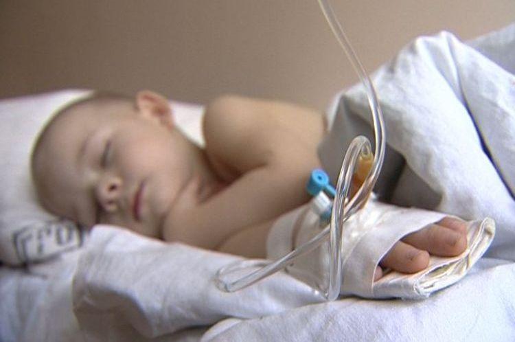 Без лечения ангина чревата опаснейшими осложнениями.