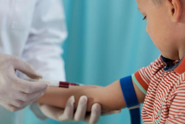 Помимо общего, врач может назначить ребенка и биохимический анализ крови.